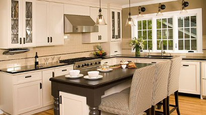 Stylish-traditional-kitchen-remodel